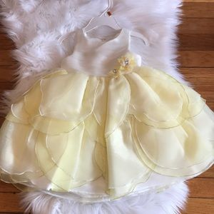 Holiday Editions Ivory & Yellow Tulip Tier Dress